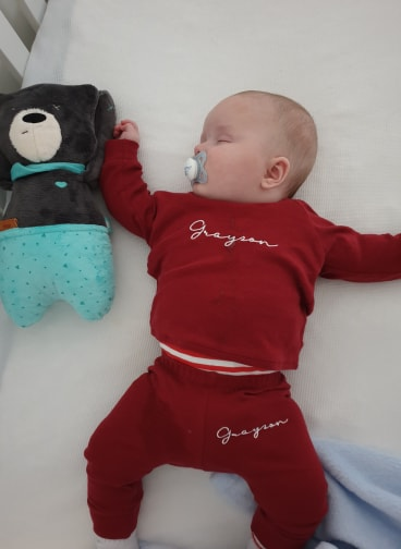 How does he sleep all night? myHummy in Grayson's routine